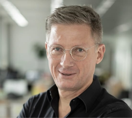 Andreas König : Als ProGlove Partner unterstützen wir Sie